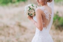 woman in a white wedding dress